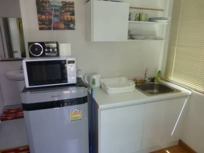 Apartmets have kitchen Units With Fridge and micro wave oven and Toaster call 0868 592 986 to book